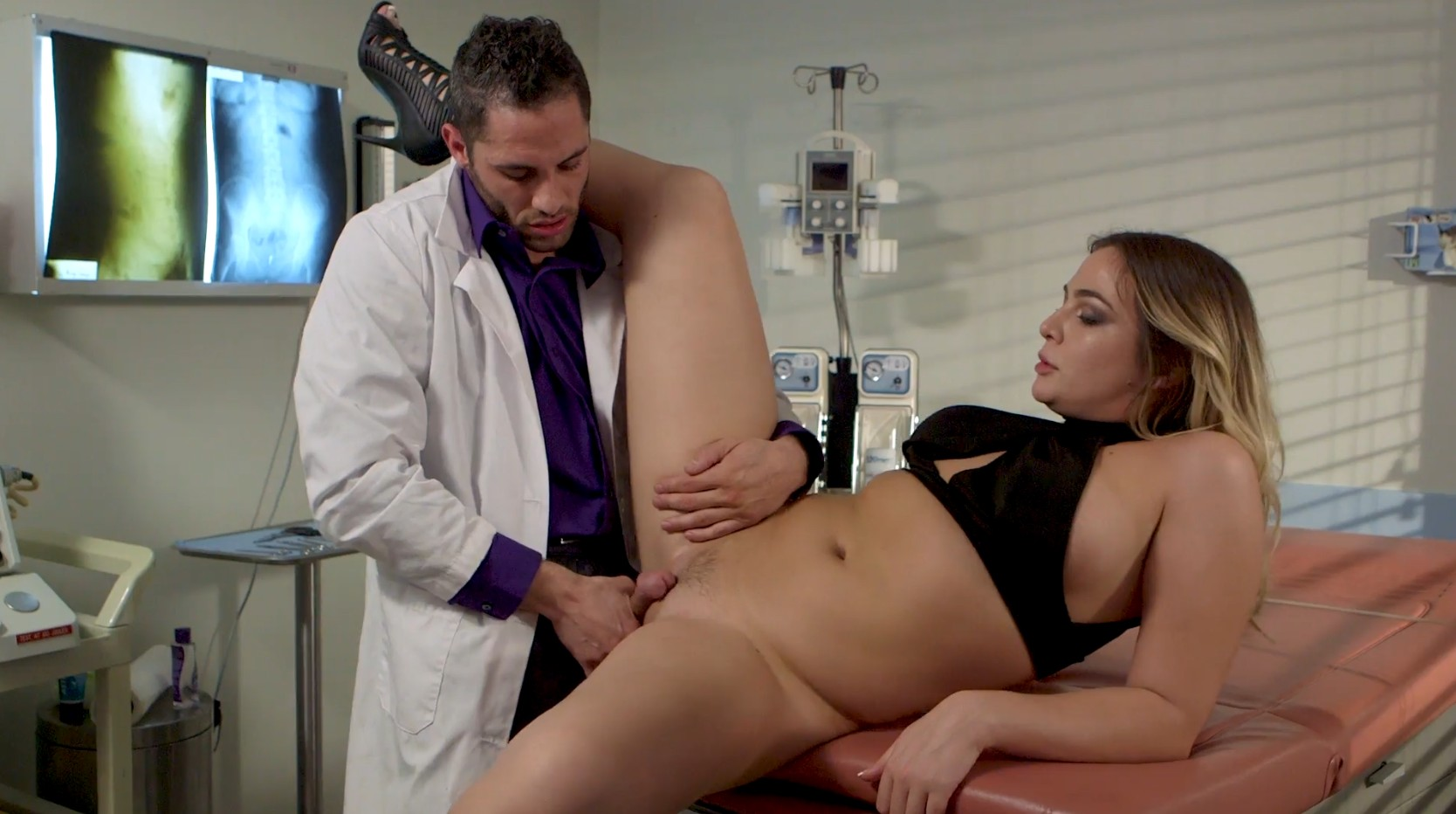 Dirty doctor and his patitent slut