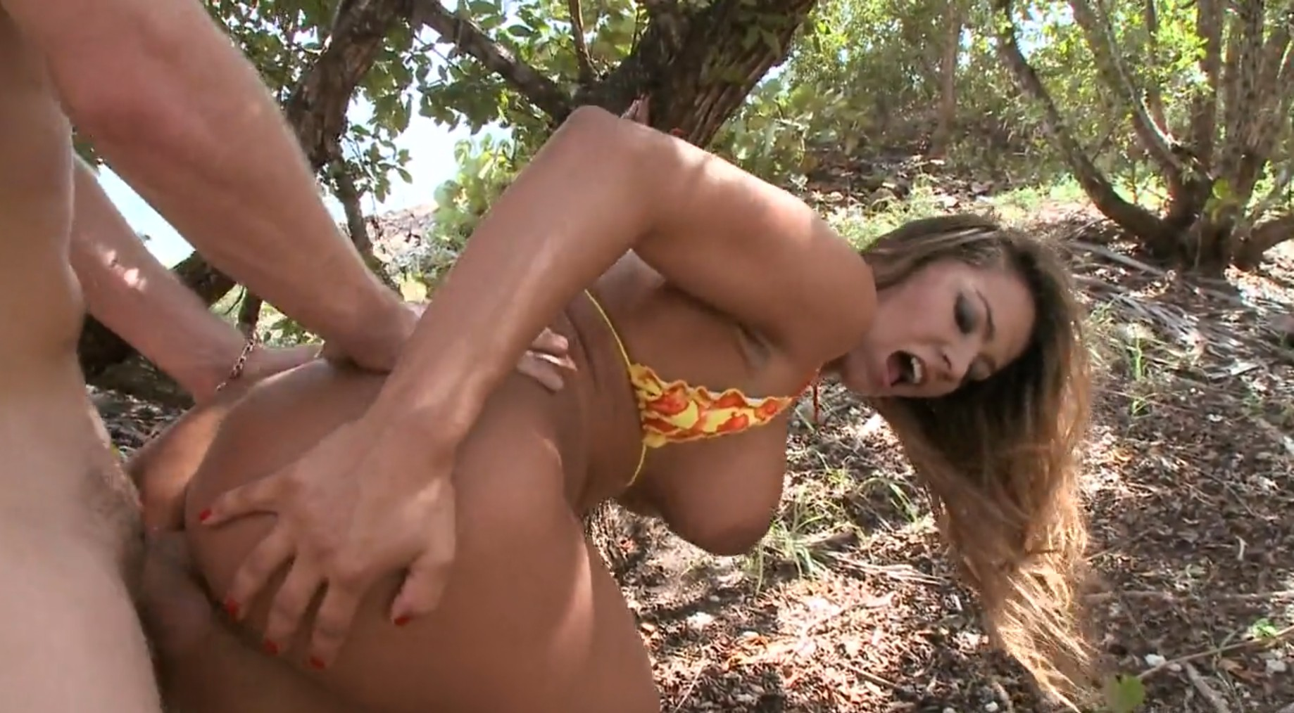 Fucking in nature with Esperanza Gomez