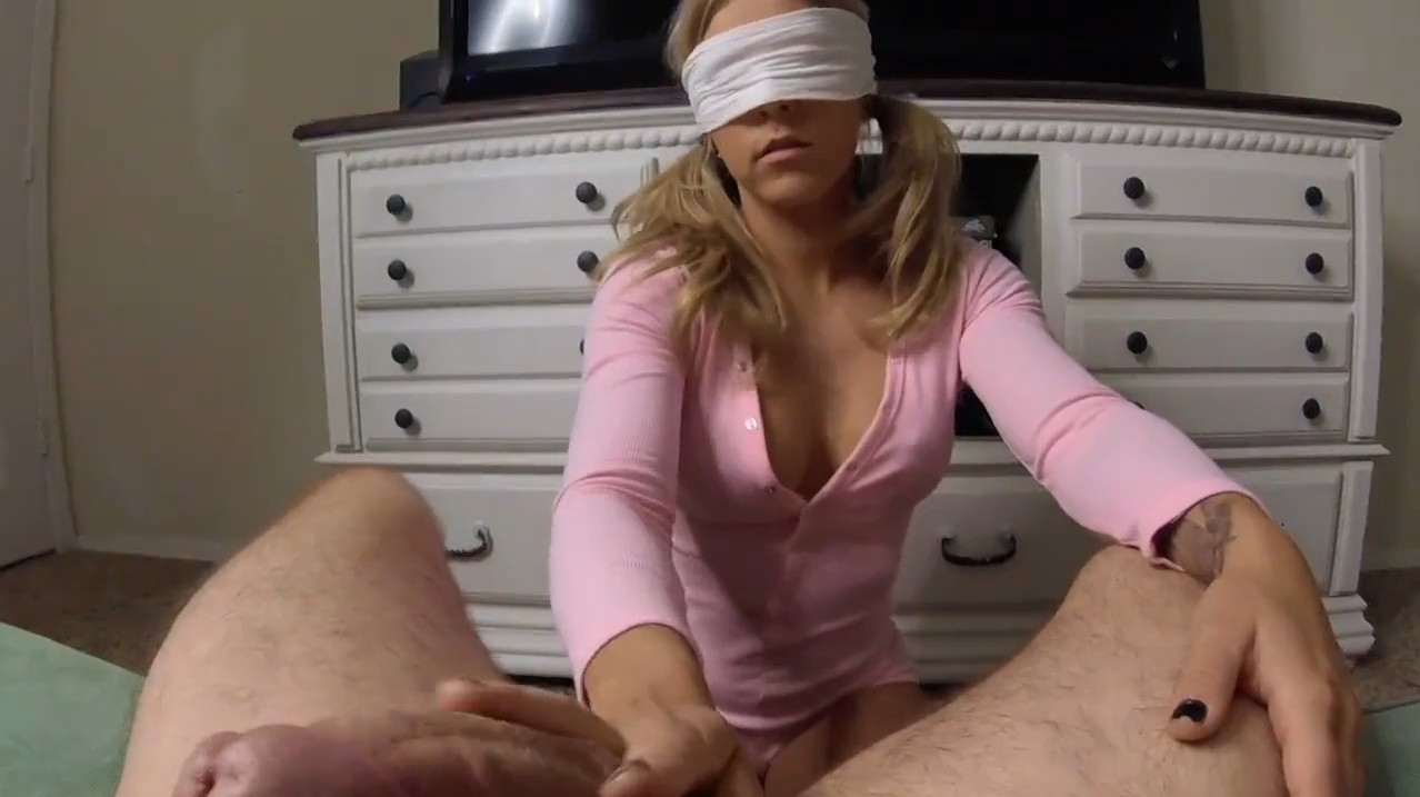 Hot masked blonde takes care about boyfriends dick