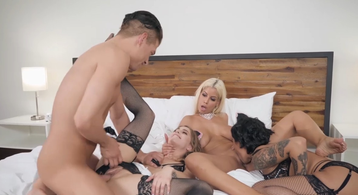 Brazzers - Awesome foursome with three horny sluts