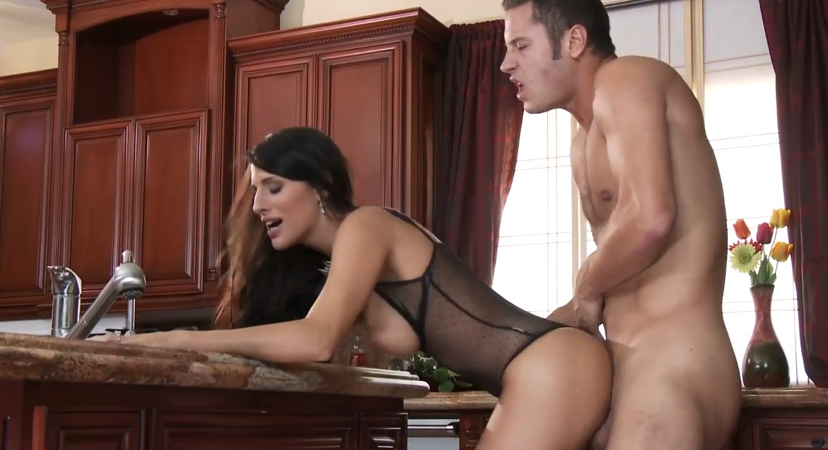 Brazzers - Hot fucking in kitcher with horny brunette babe