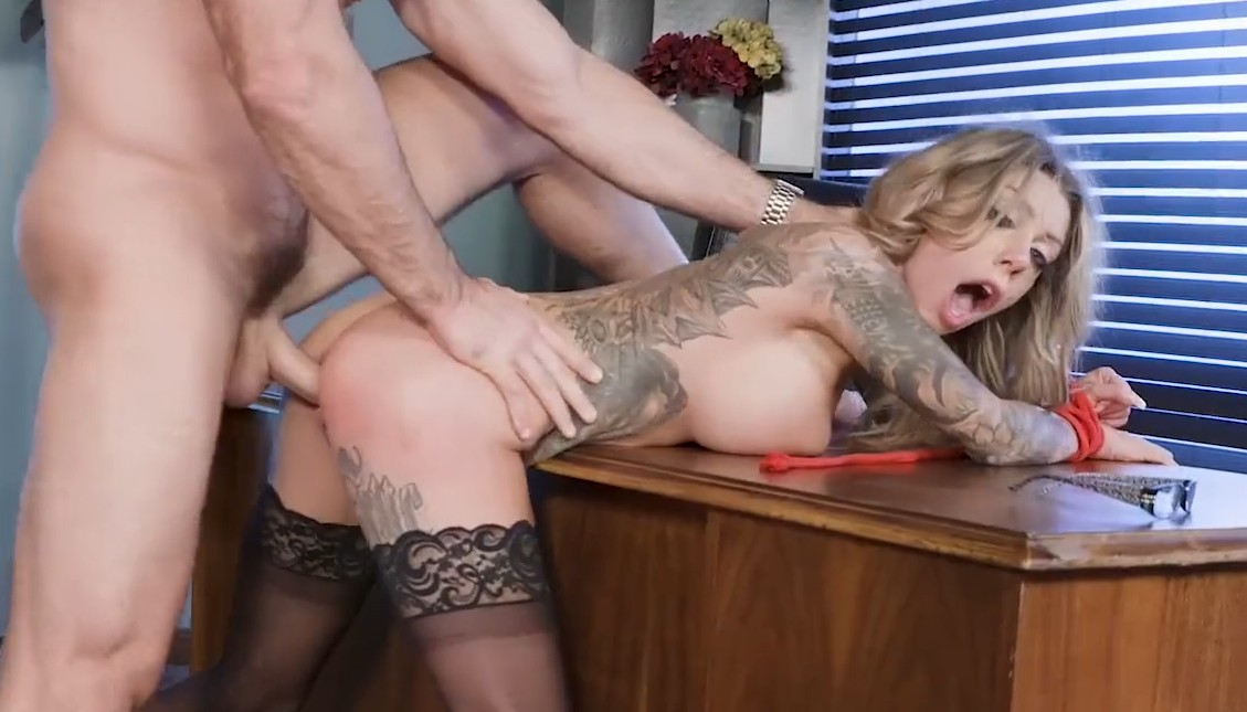Brazzers - Busty office babe gets fucked in work