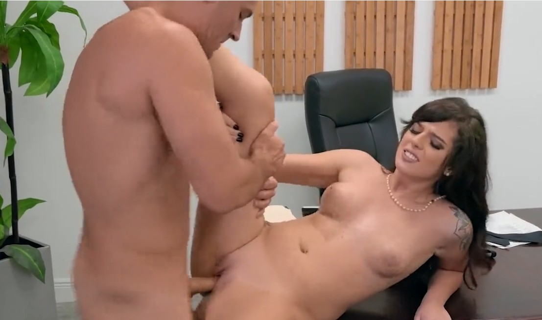 Brazzers - Office se with horny slut Scarlett Mae