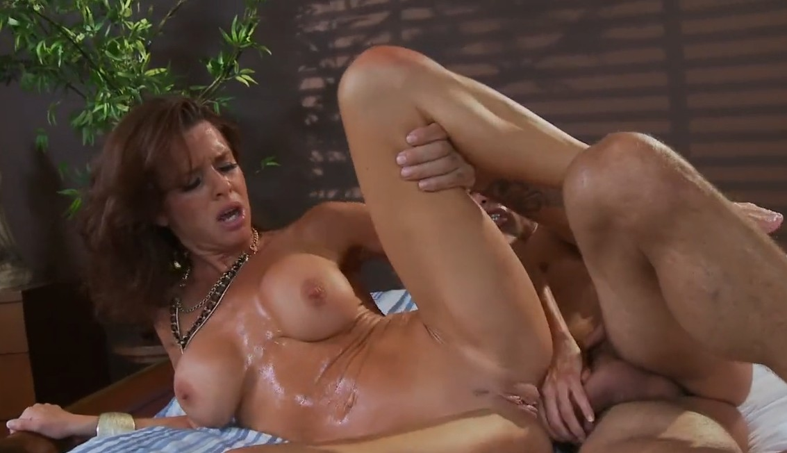 Brazzers - Anal sex with busty mature Veronica Avluv