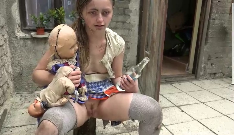 Horror Porn - Really abnormal family fucking each other