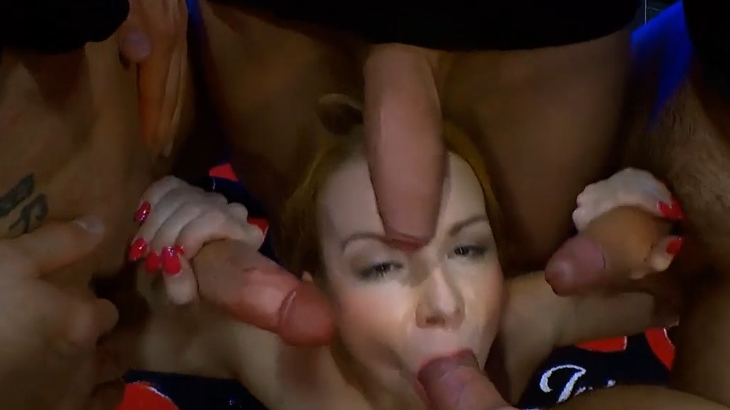 German Goo Girls - This deutsch bitch wants 4 cocks at once