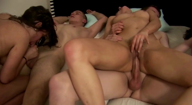 Czech Mega Swingers - Awesome orgy in small czech flat