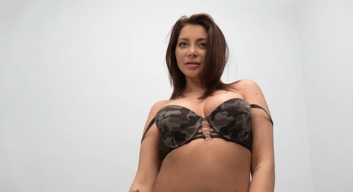 Fake Agent - So sexy brunette Anna Polina