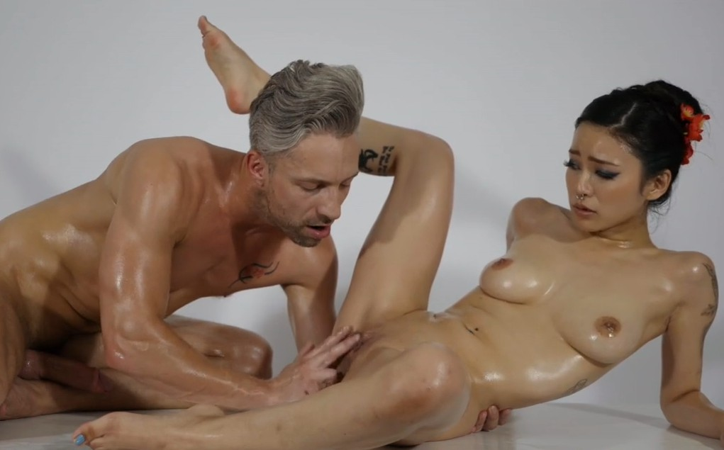 Massage Rooms - Big cock is ready for asian masseur